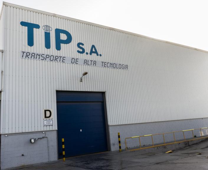 TRANSPORTE DE ALTA TECNOLOGÍA. Fachada TIPSA